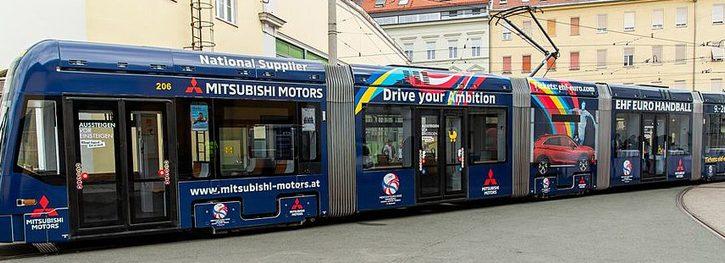 Un tranvía promociona el Europeo Masculino 2020 en la ciudad de Graz