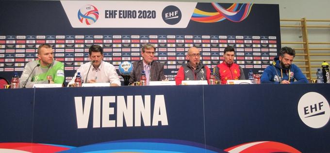 España tira de oficio y gana dos puntos más ante la República Checa