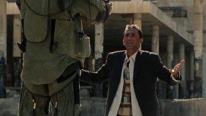 Atractivo fotograma del filme En tierra hostil