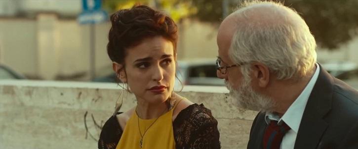 Verónica Echegui y Toni Servillo en un momento importante del filme ¡Déjate llevar!