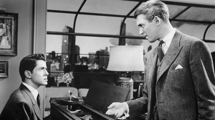 Farley Granger y James Stewart en La soga, de Alfred Hitchcock