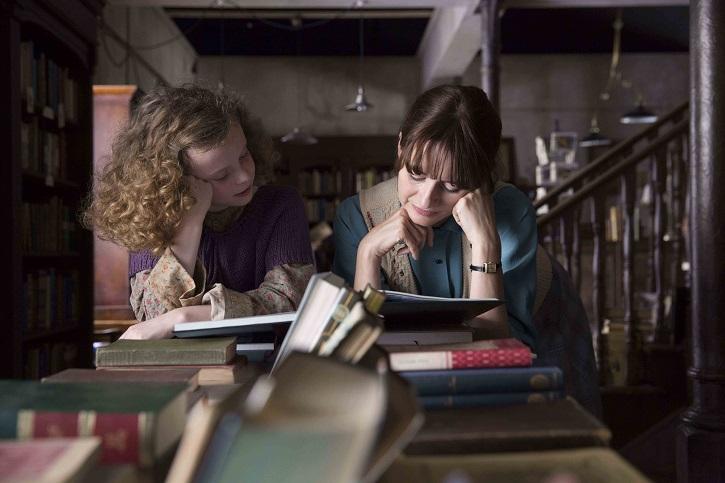 Fotograma del filme La librería de Coixet, dos euros el Día del Libro y Sant Jordi