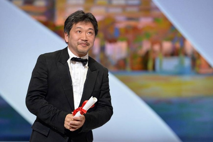 El galardonado director japonés, Hirokazu Kore-eda triunfa por primera vez en Cannes | 'Un asunto de familia', séptima Palma de Oro para Golem