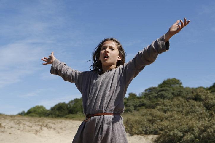 Fotograma del filme Jeannette, la infancia de Juana de Arco, con Lise Leplat Prudhomme. Copyright R.Arpajou / TAOS Films - ARTE France | Cameo lanza 'Sin amor' y 'Jeannette, la infancia de Juana de Arco'