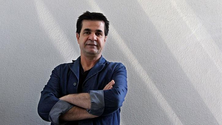El director iraní Jafar Panahi obtiene el premio al Mejor Guión por '3 Faces' | 'Un asunto de familia', séptima Palma de Oro para Golem