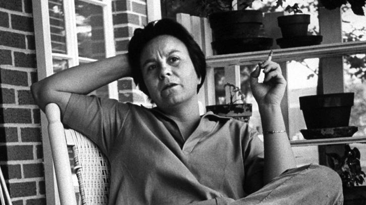 La escritora Harper Lee | Matar a un ruiseñor, de Harper Lee, escandaliza a Broadway