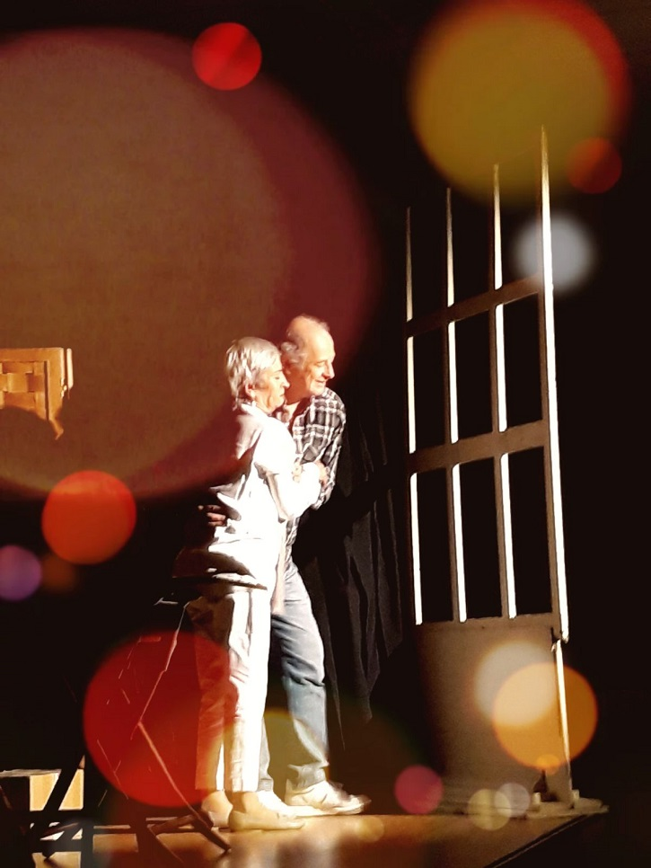 Milagros Morón y Luis Higueras, durante una de las representaciones de En el estanque dorado | Daganzo premia el trabajo de los actores Milagros Morón y Luis Higueras