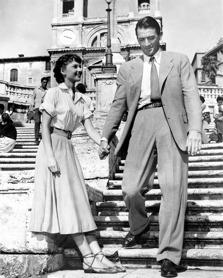 Vacaciones en Roma, de William Wyler, con los oscarizados Audrey Hepburn y Gregory Peck | 'Ciudades de cine': luminosa guía de viaje cinematográfica (ediciones cátedra)