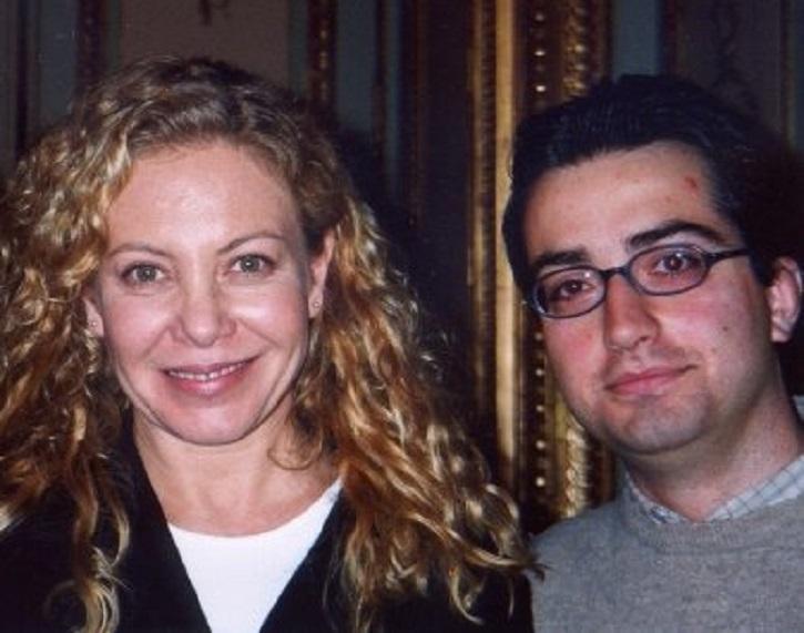 La actriz Cecilia Roth junto al actor José Luis Panero, después de una entrevista por su trabajo en Todo sobre mi madre | Ricardo Darín protagonizará '1985', thriller inspirado en la dictadura argentina