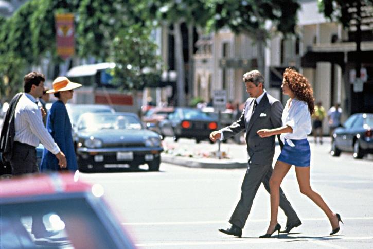 Rodeo Drive en Pretty Woman, con Richard Gere y Julia Roberts | 'Ciudades de cine': luminosa guía de viaje cinematográfica (ediciones cátedra)