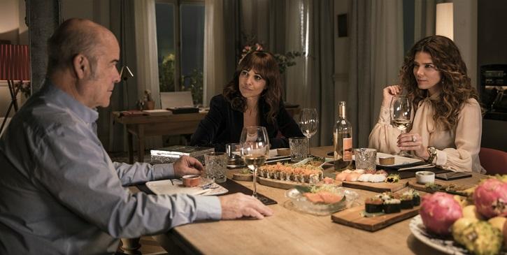 Antonio Resines, Paula Echevarría y Juana Acosta en Ola de crímenes | 'Ola de crímenes': Gracia Querejeta se estrella con la comedia