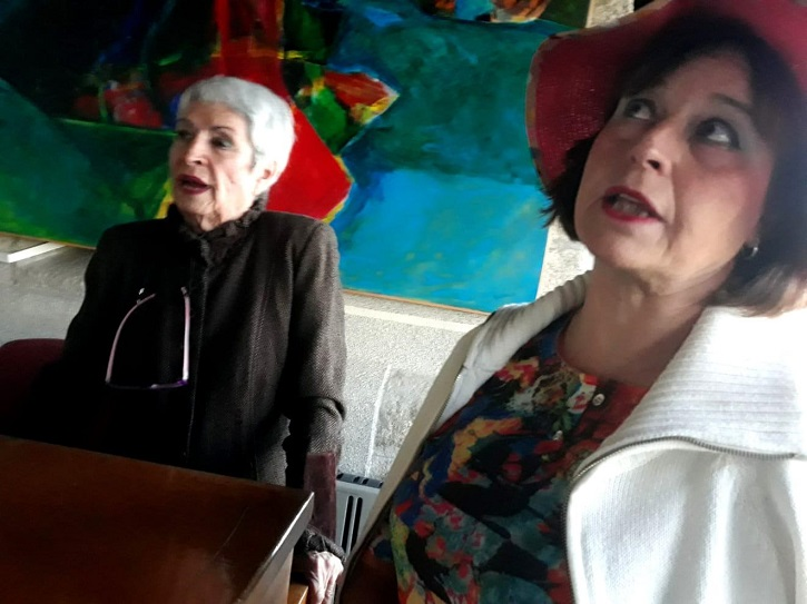 Natalia y Priscila en uno de los momentos más intensos del espectáculo | 'Ateneo de Pozuelo' estrena 'El cerco de Leningrado' en Espacio EducArte