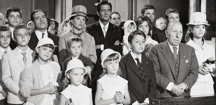 https://www.cope.es/blogs/palomitas-de-maiz/2019/06/13/la-gran-familia-la-espana-en-crisis-con-muchos-hijos-critica-cine/