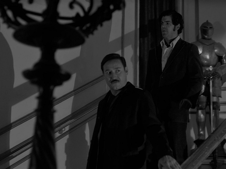 Carlos Santos y Miguel Ángel Muñoz, que da vida al Moro, y sucede en el papel a Miguel Rellán | 'El Crack Cero': Garci revive al detective Germán Areta en blanco y negro