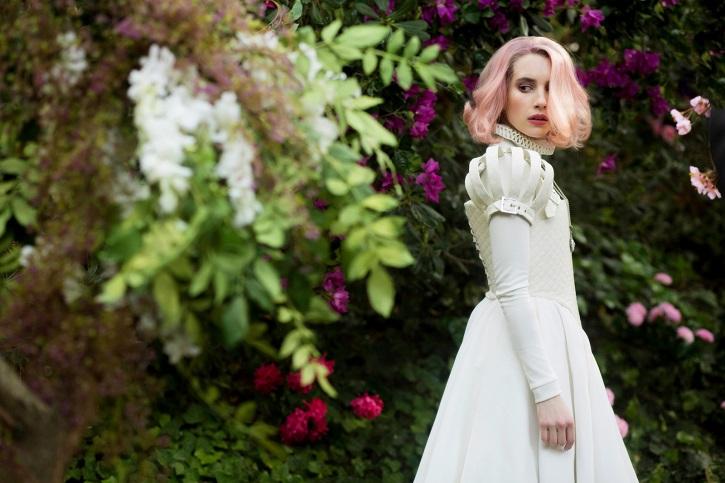 Emma Roberts | 'Paradise Hills': Alice Waddington debuta con una digna distopía feminista