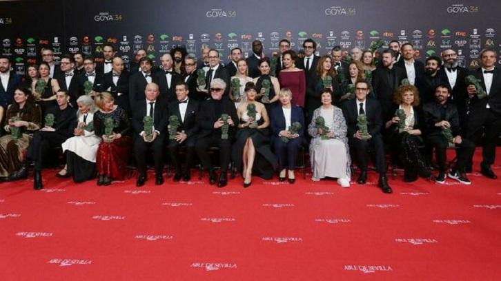 Foto de familia con todos los premiados de la 34 edición de los Premios Goya | 'Premios Goya 2020': 'Dolor y Gloria' arrasa con 7 estatuillas