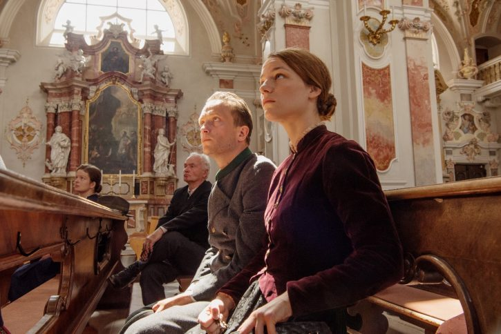 August Diehl y Valerie Pachner | 'Vida oculta': Terrence Malick entrega un vivificante testimonio de fe