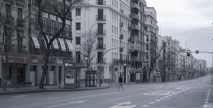 Madrid, calle Goya | Olmo Blanco estrena 'Solo', el cortometraje que se adelantó al coronavirus