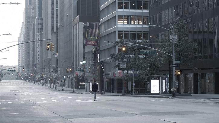 Nueva York, Sexta Avenida | Olmo Blanco estrena 'Solo', el cortometraje que se adelantó al coronavirus
