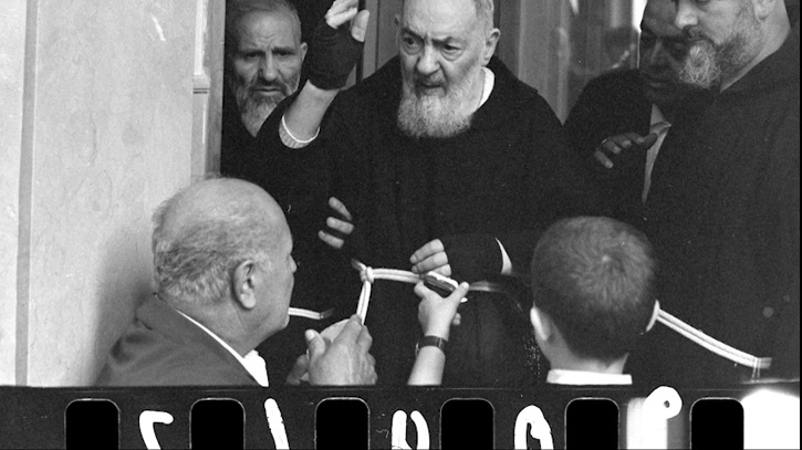 Fotograma de Renacidos | 'Renacidos: El Padre Pío cambió sus vidas', online el 8 de abril