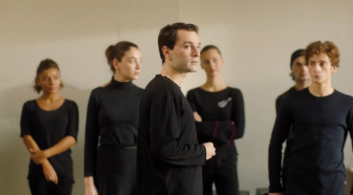 Fotograma del filme | 'Sólo nos queda bailar': Levan Akin resbala al cruzar amor y danza