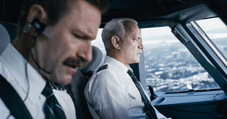 Aaron Eckhart y Tom Hanks en Sully
