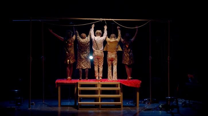 Fotograma del documental   Málaga recibe al primer documental sobre la compañía teatral 'La Zaranda'