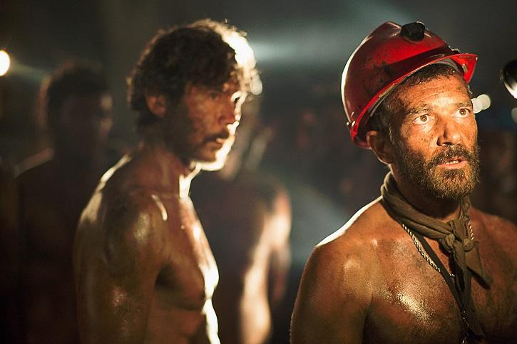 Fotograma del filme | 'Los 33': Chile recuerda hoy el milagroso rescate de los mineros