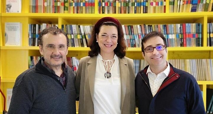 El director de cine Antonio Cuadri y la escritora María Vallejo-Nájera junto a José Luis Panero