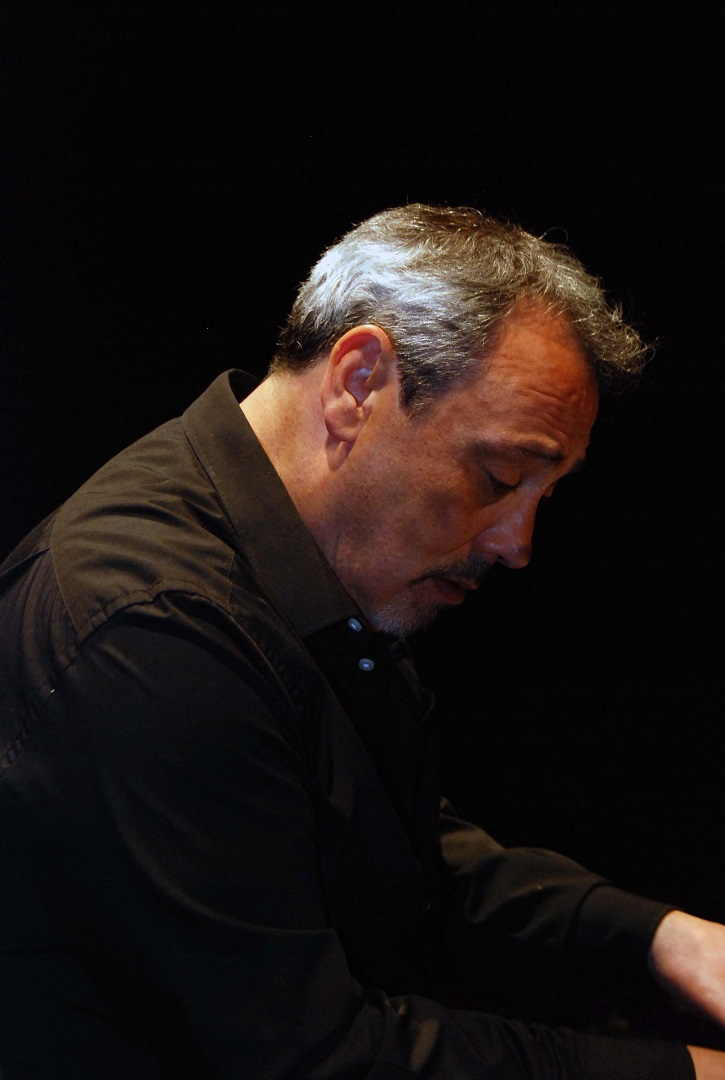 """Entrevista al pianista Jorge Gil Zulueta: """"El silencio también es música"""""""