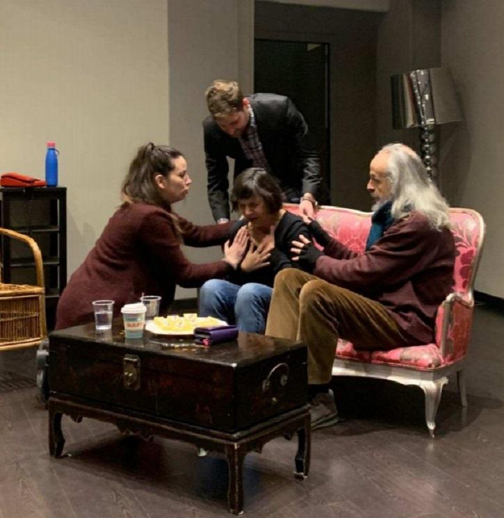 Continúa el éxito de 'Descalzos por el parque' en la 'Encina Teatro'