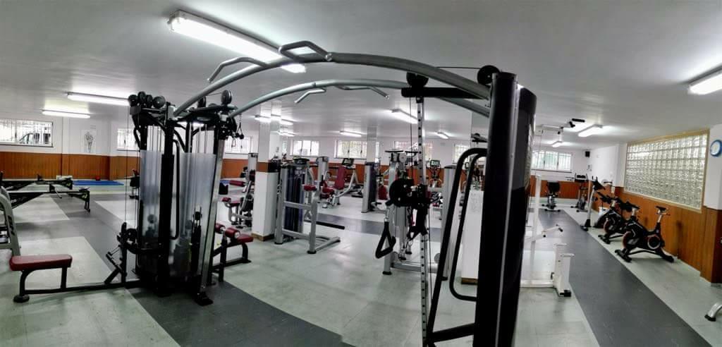 Entre tablas y pesas del gimnasio